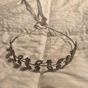 EUC Bridal Headband Halo Crown Rhinestone Flowers